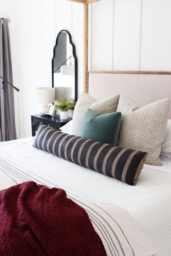 king bed throw pillow arrangement