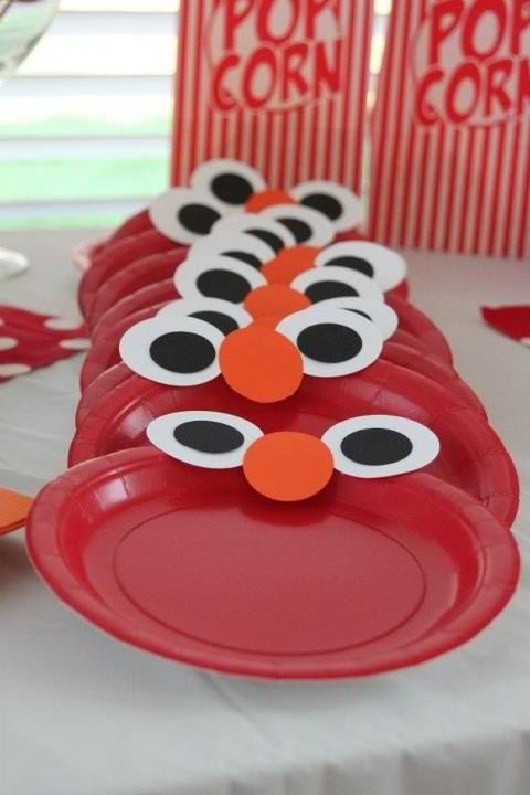 Sesame Street party plates - Elmo DIY