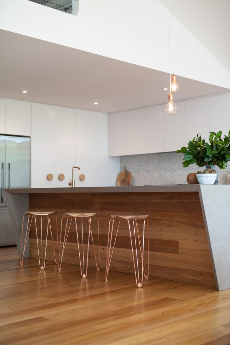 That timber!! Swoon. This stunning renovation was executed by super talented Kara & Kyle of 'The Block' fame.