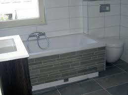 57 beste afbeeldingen over badkamer tegeltjes op pinterest toiletten turkoois en blauwe tegels - Badkamer turkoois ...