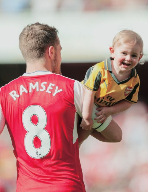 Aaron Ramsey with his son after the game #Arsenal #familytime #WeAreTheArsenal  #COYG  #PremierLeague >>May 21, 2017