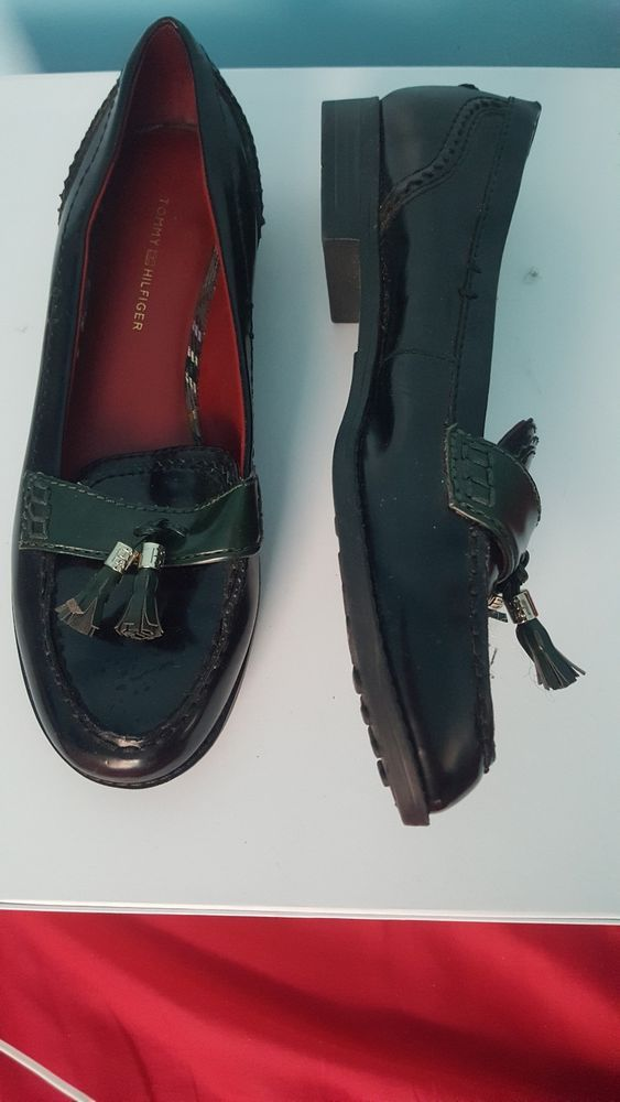17bc5c39dd9413 Tommy Hilfiger Black Leather Round Toe Slip on Penny Loafers Women ...