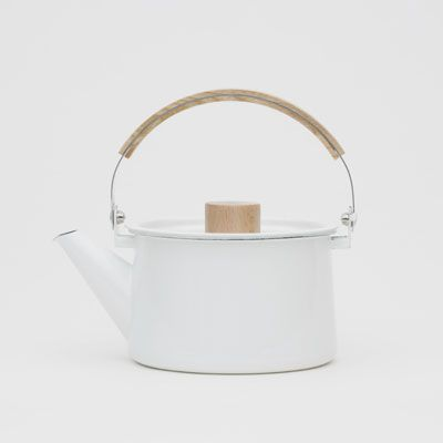 Kaico Kettle by Shoei Kogyo. The award-winning Kaico series has enamel coating  with wood handles.