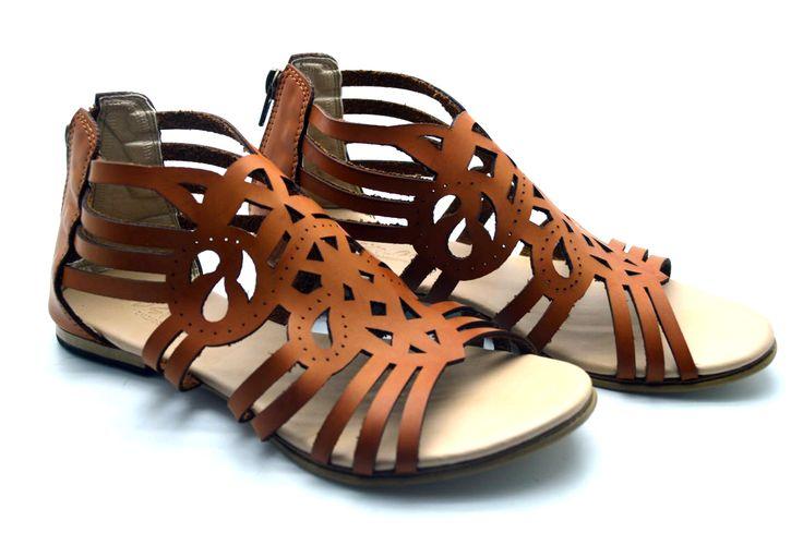 Consíguelas en nuestra tienda online: www.calzadocosmos.com