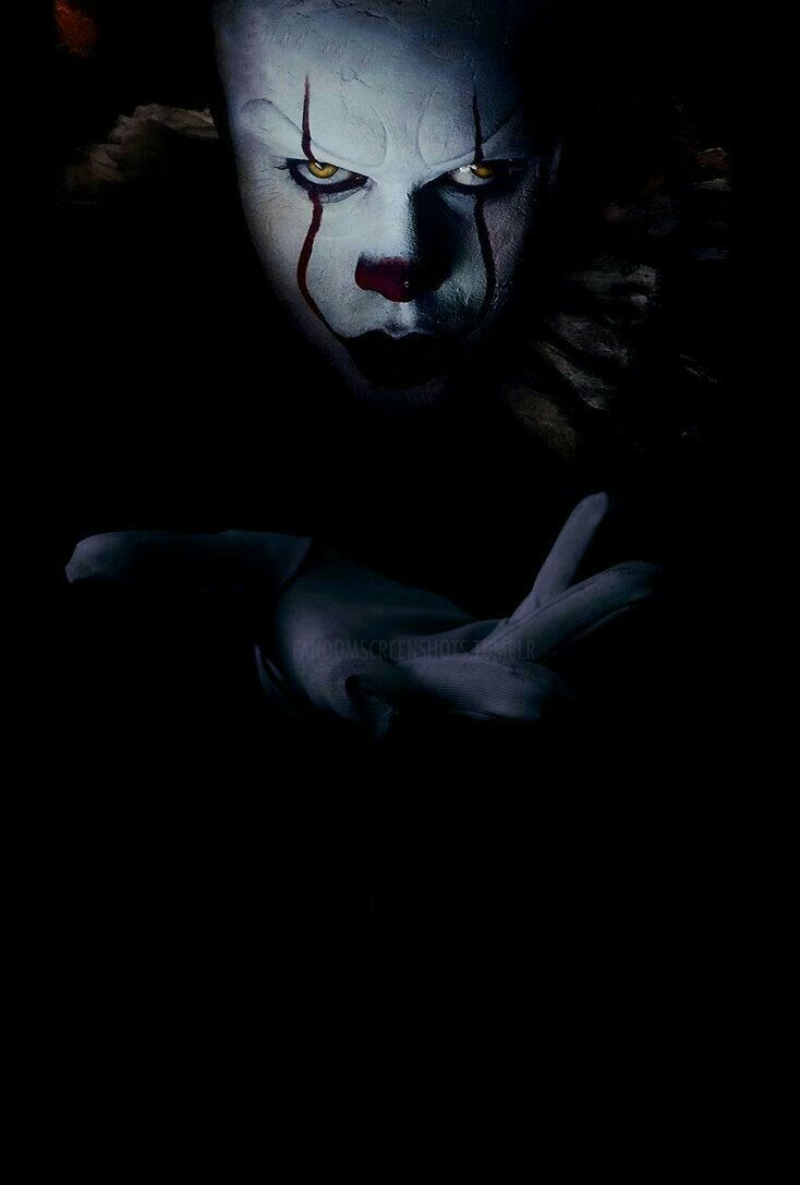 Pin By Abigail Cunningham On Pennywise Scary Wallpaper Black Wallpaper Scary Clowns
