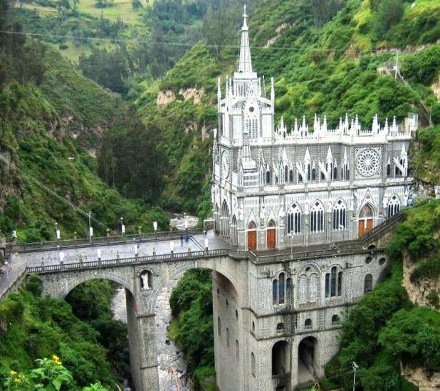 El santuario está situado en el cañón del río Guáitara, en el corregimiento de Las Lajas del municipio de Ipiales, a siete kilómetros de la ciudad cabecera municipal, en el departamento de Nariño (Colombia) y a 10 km de la frontera con el Ecuador