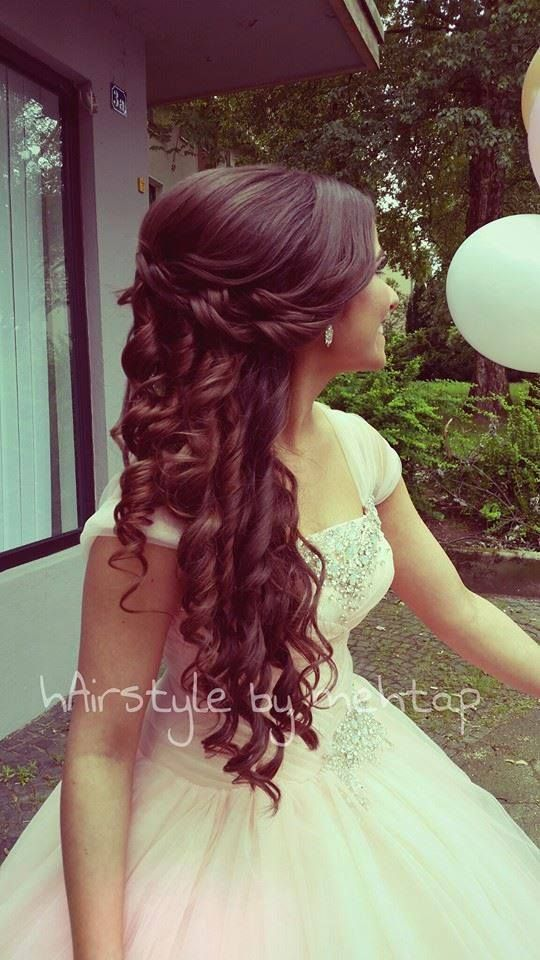 Quinceanera Hairstyles On The Side : 10 quinceañera hairstyles we love