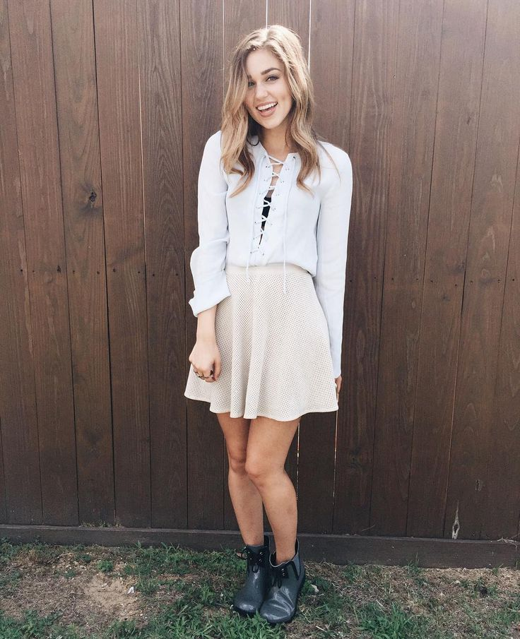 Sadie Robertson - Will be seeing her live at the Winter Jam 2017 tour.