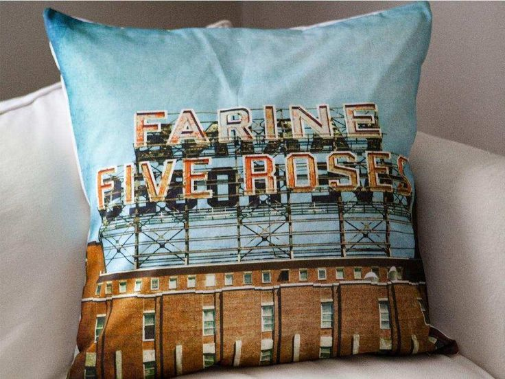 Image from https://postmediamontrealgazette2.files.wordpress.com/2015/05/the-farine-five-roses-sign-on-a-pillow-sold-at-monumentalove.jpg?quality=55&strip=all.