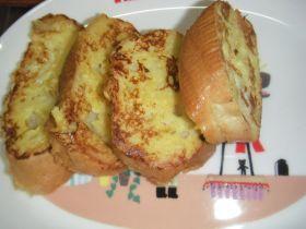 「シンプルフレンチトースト」mamiaaya | お菓子・パンのレシピや作り方【corecle*コレクル】