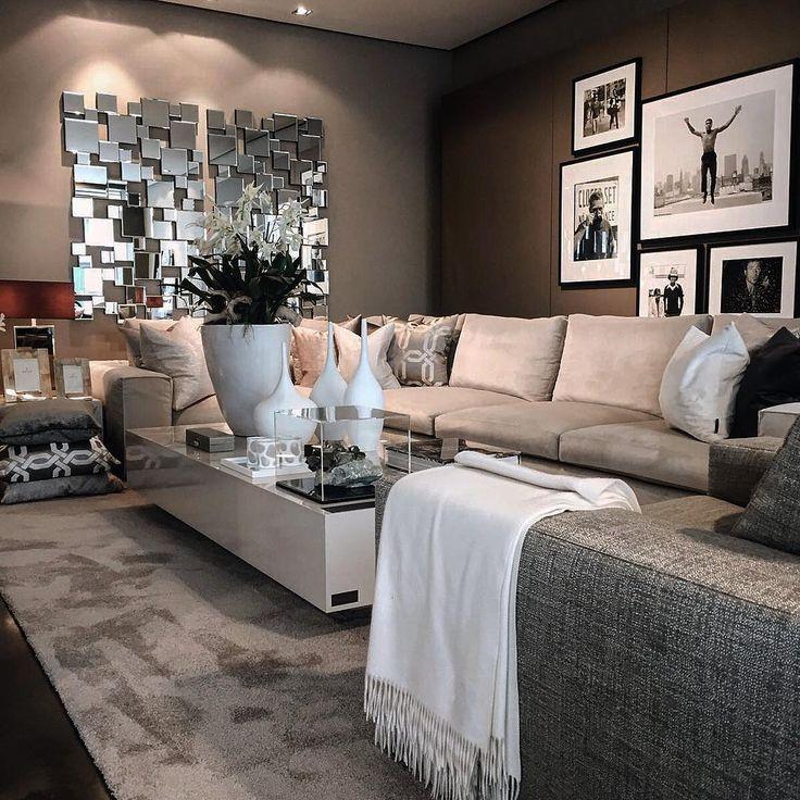Belgium / Antwerpen / Show Room / Living Room / Coffee Table Avalon / Ron Galella / Eric Kuster / Metropolitan Luxury
