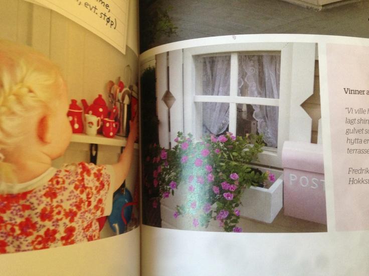 postkasse og blomsterkasse