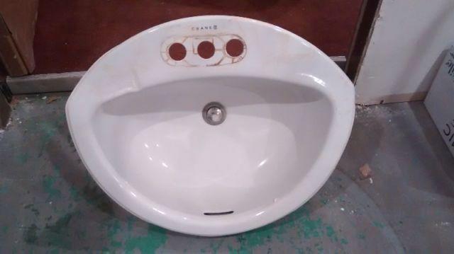 Bathroom Sinks And Kitchen