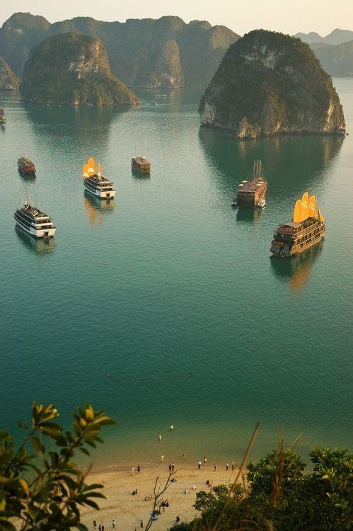 Ha Long Bay, Vietnam  Please like, repin or follow us on Pinterest to have more interesting things. Thanks. http://hoianfoodtour.com/  #halongbay #Vietnambeauty