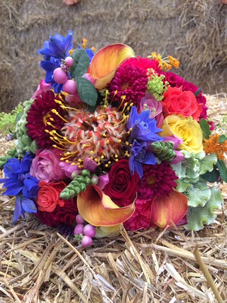 Bruidsboeket Jennifer sept 2015  Rood, roze, blauw, paars, groen, oranje, geel