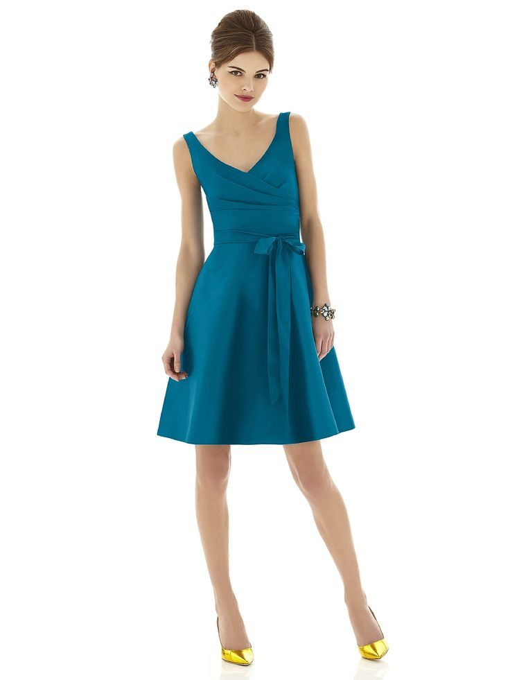 Alfred Sung Style D624 http://www.dessy.com/dresses/bridesmaid/d624/