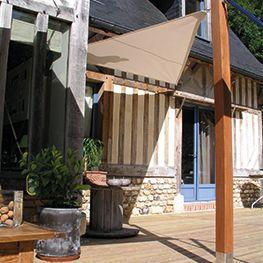 La Toile Tendue extérieur est une Alternative Esthétique aux Pergolas, Stores ou Parasols. Retrouvez votre Voilage Strasbourg chez Caspar Stores.