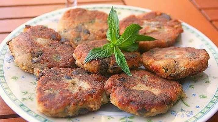 Котлеты из баклажанов – истинный деликатес для ценителей вегетарианской кухни. Нежные пикантные котлетки сразят Вас своими вкусовыми достоинствами. Детки от такого блюда просто в восторге. Сытные и л…