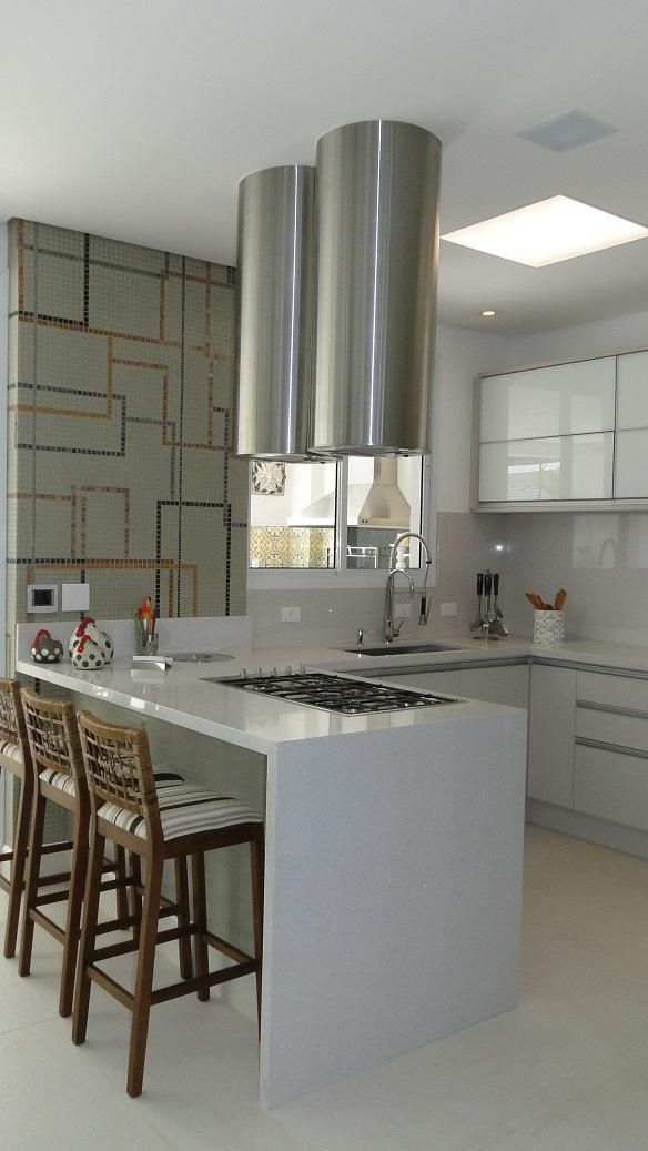 Cozinha Americana Com Bancada De Granito E Cadeira Com Imagens