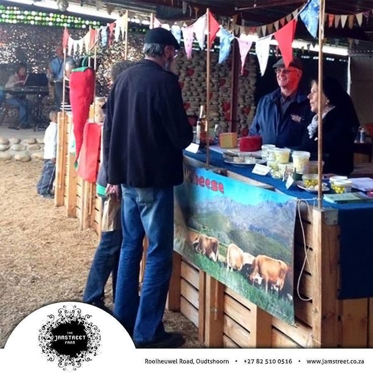 Remember the Rooiheuwel Market at Jamstreet Farm today, starting at 9:00. Come and enjoy this Saturday with us and bring the whole family. There will be fresh flowers, pancakes and much more to attract your interest. #farmmarket #Jamstreet #Oudtshoorn