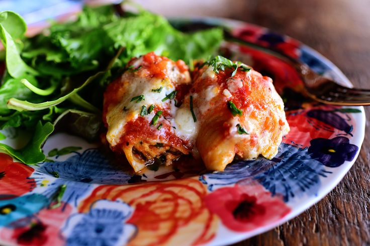 Red and Green Stuffed Shells by Ree | The Pioneer Woman Cooks! | Bloglovin':