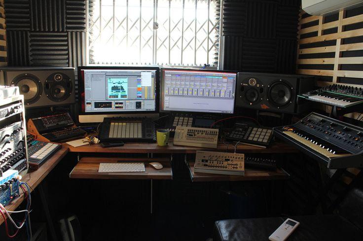Modern Music Studios : Photo