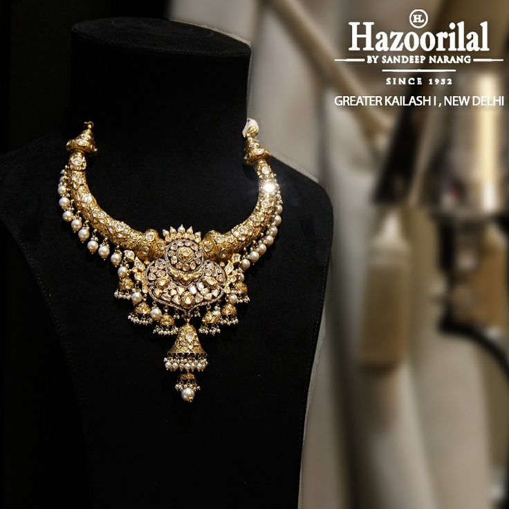 A traditional hasli style neclace in polki ,pearls and gold. #HazoorilalBySandeepNarang #Diamonds #Polki #Gold #Since1952 #Glorious65Years #DlfEmporio #ITCMaurya #GK-1 #HazoorilalJewellers #Hazoorilal
