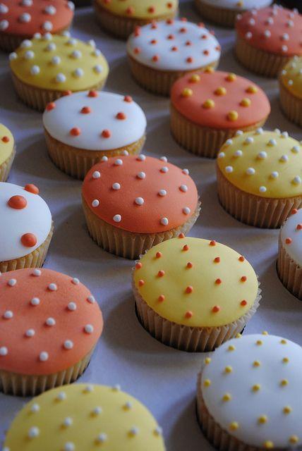 Polka Dot wedding from Bath Baby Cakes