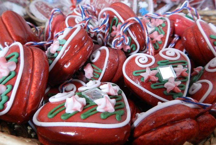 Licitars, decorative mirrored gingerbread hearts, a symbol of Croatia and of love. (Photo: Flickr/Helen Soteriou)