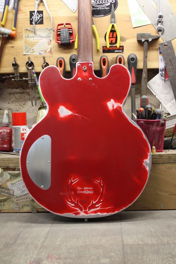 MeloDuende Guitars - Aluminium Guitars - Handmade in France http://www.meloduende.fr/fr/