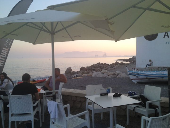 Cafetería Coctelería Mandala | Paseo Marítimo del Pedregal, 3