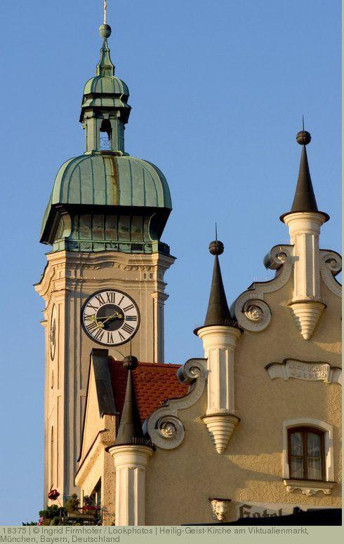Heilig-Geist-Kirche am Viktualienmarkt, München, Bayern, Deutschland