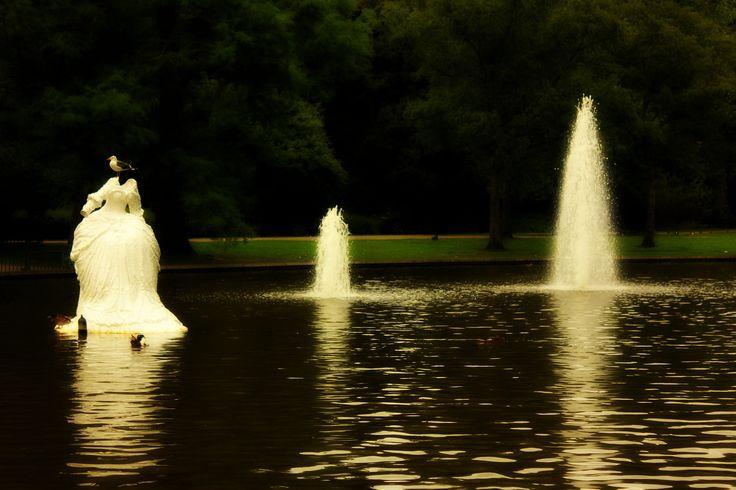 Boats4rent is gelegen in het Westerpark. Hier kan je genieten van verschillende horeca gelegenheden. Of een wandeling maken door het park zelf