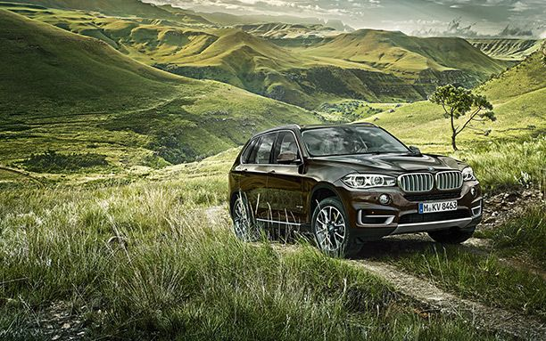 BMW-X5-Has-a-Large-Size-Cabin-Front-View.jpg (612×383)