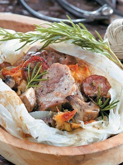 Χοιρινό στη λαδόκολλα με τυριά και μανιτάρια