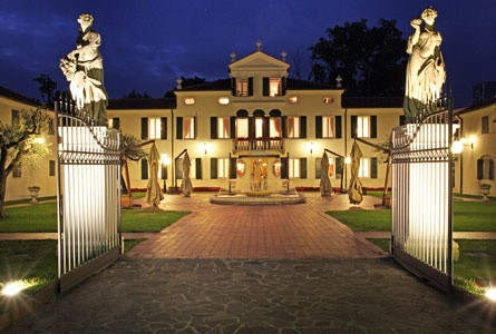 """Treviso, Italy --- """"Relais Villa Fiorito"""" (Hotel) .  Thought it'd be fun to see this hotel .  Of  course, I'm not expecting to actually stay there."""