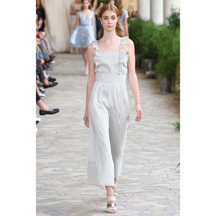 Luisa Beccaria. #onepiece #striped #fashion #Vogue #VogueRussia #readytowear #rtw #springsummer2017 #LuisaBeccaria #VogueCollections