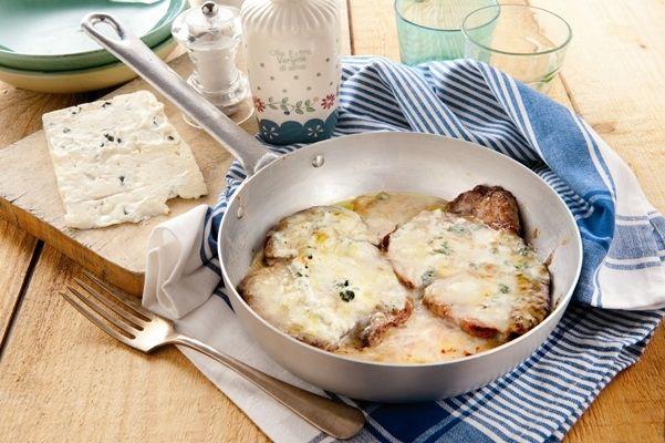 Recette Steak au Gorgonzola et encore plus de recettes sur http://www.ilgustoitaliano.fr/recettes/rechercher/all/all/galbani/keys-gorgonzola/order-date-desc/