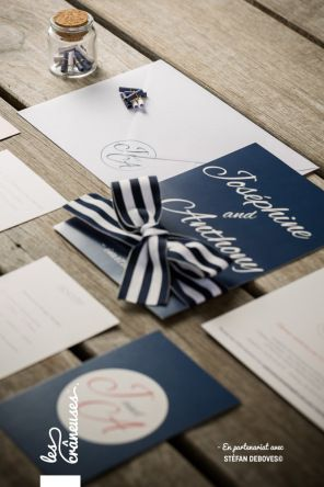 Faire-part de mariage bleu marine / marin. Wedding invitation navy. Réalisé par / Made by Les crâneuses - Wedding design.
