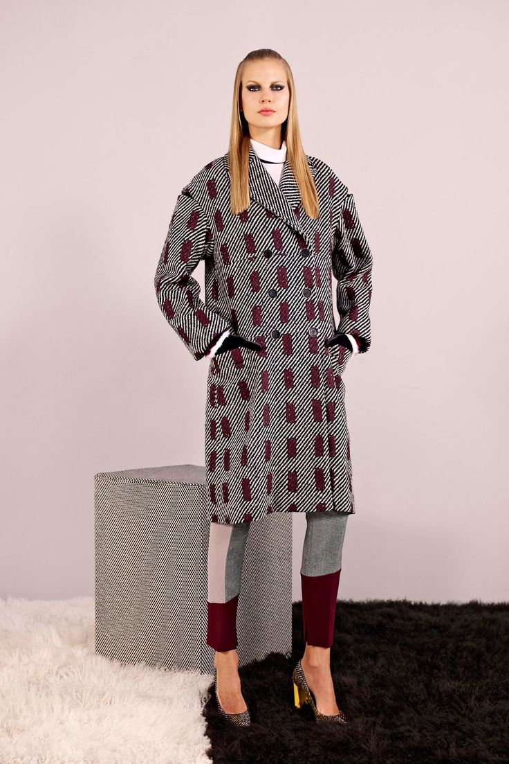 Fendi Pre-Fall 2014 Fashion Show - Elisabeth Erm