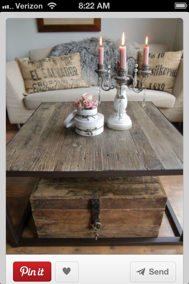 Vintage and elegant Coffee table