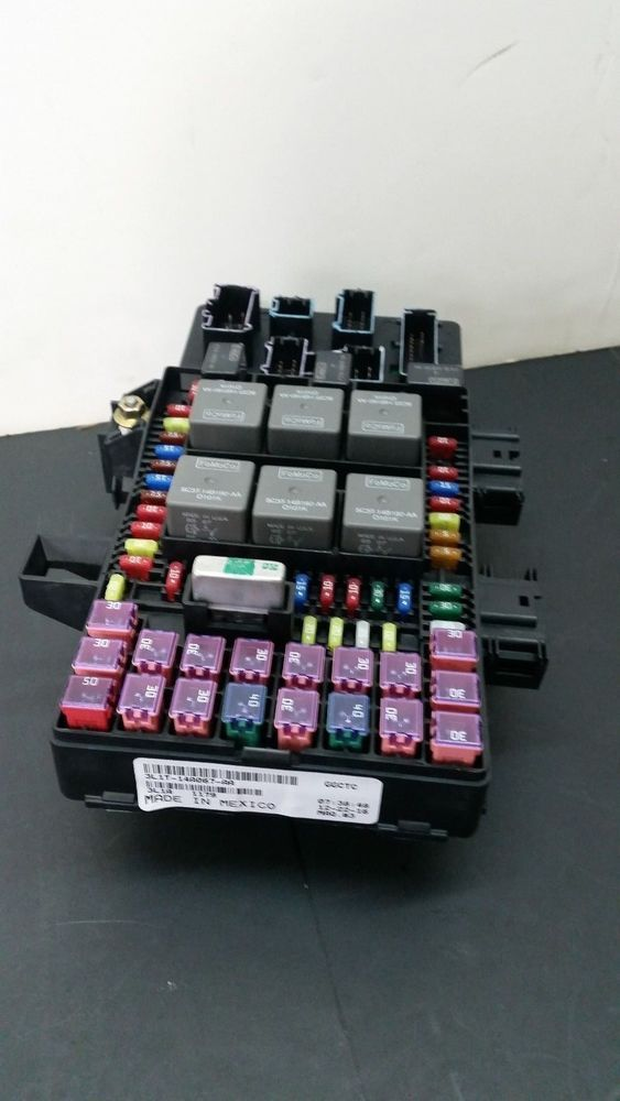 2003 ford expedition fuse box buzzing 03 06 ford expedition navigator oem fuse box relay panel 3l1t  06 ford expedition navigator oem fuse