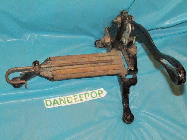 H.B Rouse & Co. Chicago A17823 Cast Iron Antique letterpress Cutting Slug Tool #HBRouseCo #letterpress #Tool #dandeepop Find me at https://www.dandeepop.com/
