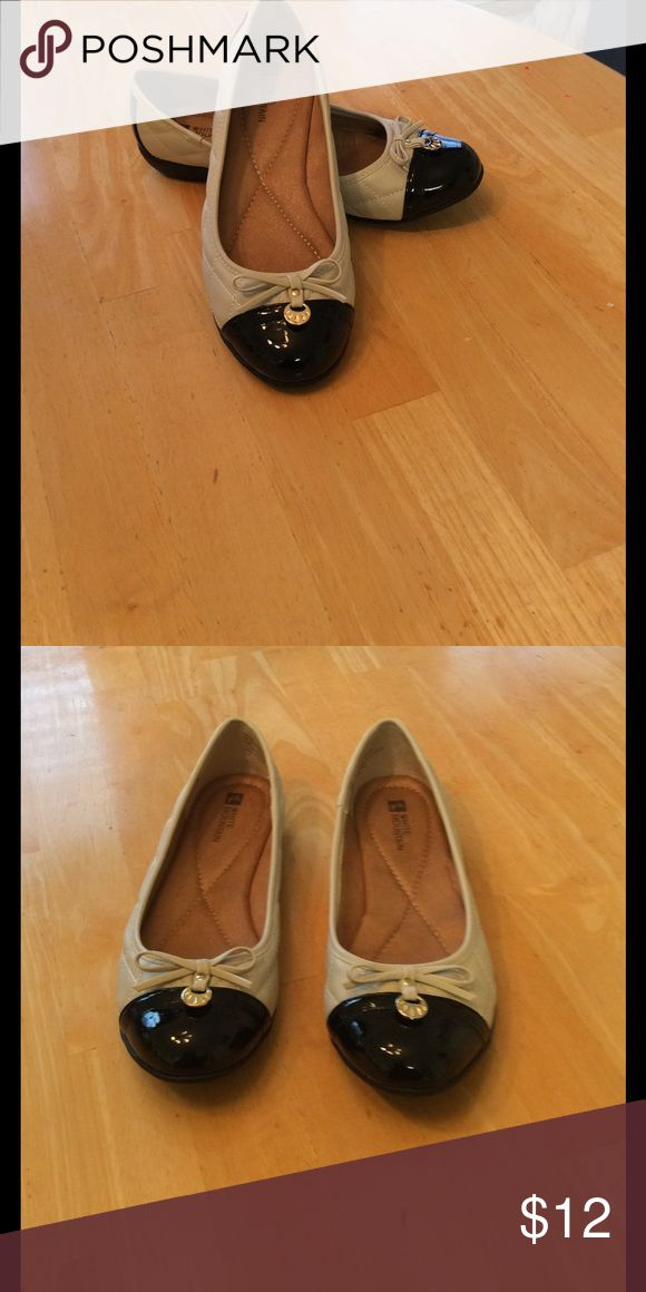 White mountain shoes Good condition black and cream flats with patent leather on toe Shoes Flats & Loafers
