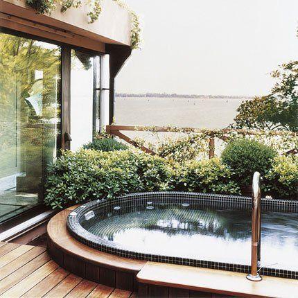 Une mini-piscine sur la terrasse