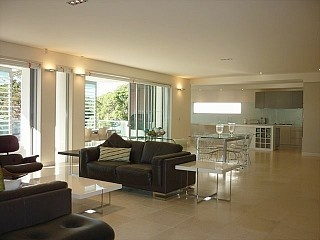 Magnificent Sydney Beachside Sub-Penthouse Apartment! http://www.homeaway.com.au/holiday-rental/p940868 #sydney #apartments