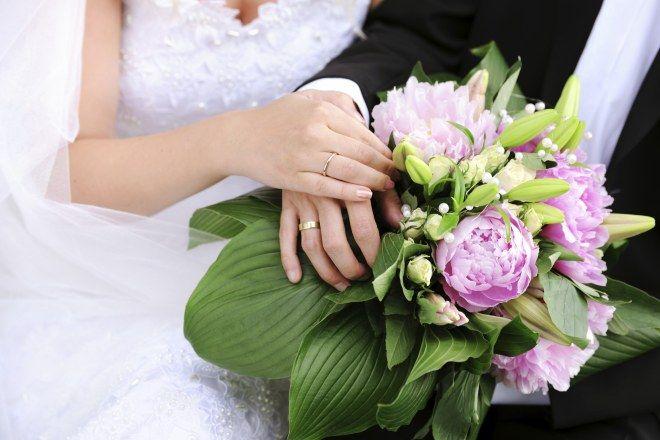 Pfingstrosen im Brautstrauß