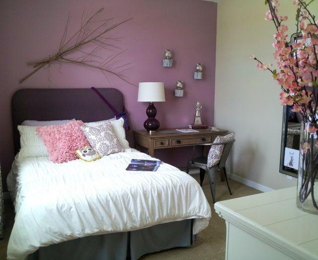 Mdchen Kleines Schlafzimmer Flieder Wandfarbe Lila Betthaupt Holz Schreibtisch