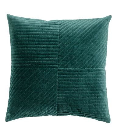 Dark green. Cushion cover in quilted cotton velvet with a concealed zip.