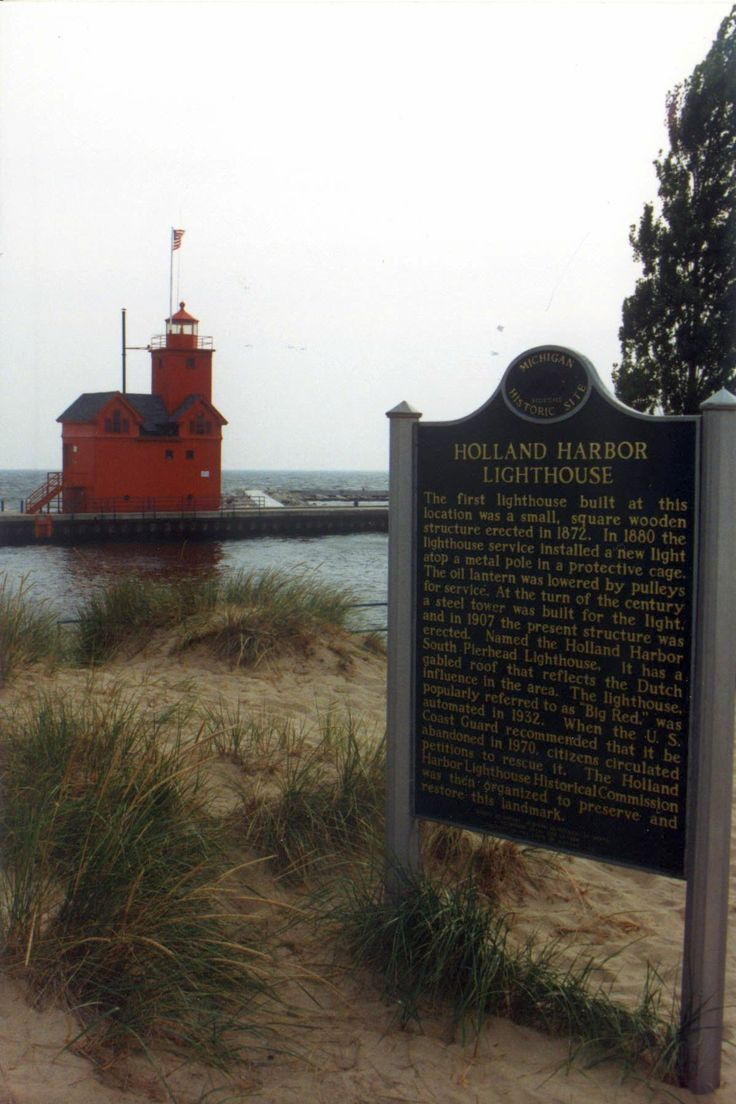 Michigan ottawa county macatawa - The Holland Harbor Light Known As Big Red Is Located In Ottawa County